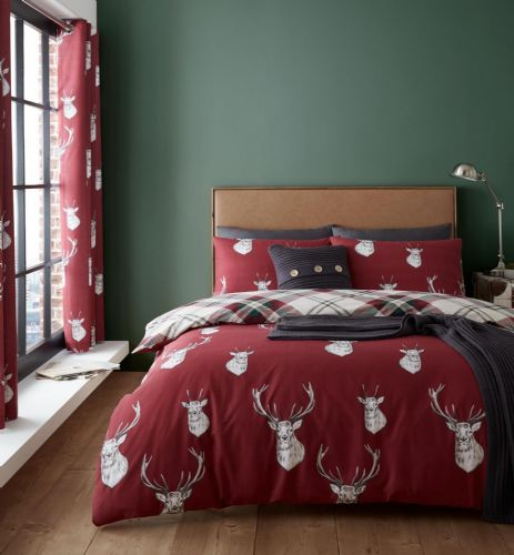 Catherine Lansfield Munro Stag Check Red Bedding Set